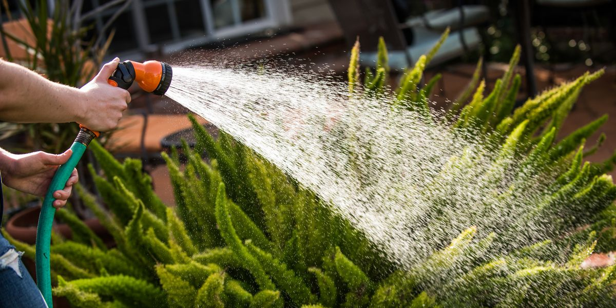 How to increase water pressure in garden hose ?Gardening is definitely one of the healthy pastimes that could connect you with nature at least in this modern materialistic world where everything is so mechanized.